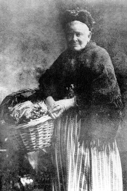 Joanne Spencer, who sold salad and rabbits from a basket in Portobello, c. 1904