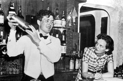 All too briefly together: Esmond and Jessica working behind a bar in Miami in 1940