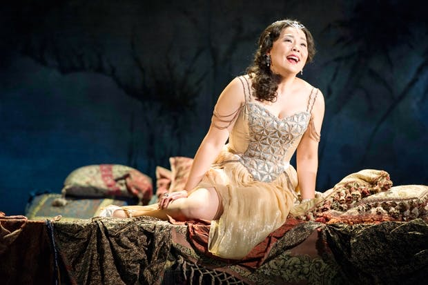 Hye-Youn Lee as Violetta in 'La traviata'