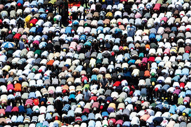 Egypt on its knees: Friday prayers in Tahrir Square