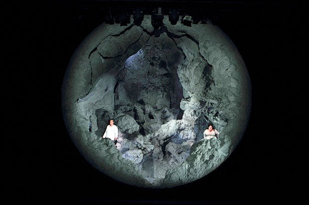 Stuart Skelton (Tristan) and Heidi Melton (Isolde) in Anish Kapoor's volcano