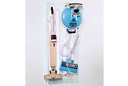 'New Hoover Quik Broom, New Hoover Celebrity IV', 1980, by Jeff Koons