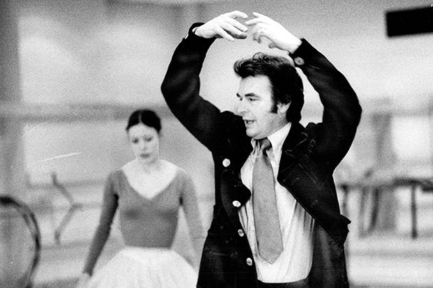 Peter Wright rehearses Giselle with the Canadian ballet dancer Karen Kain in 1974