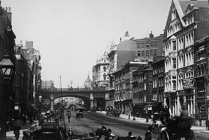 Farringdon Road at the Holborn Viaduct, 1900