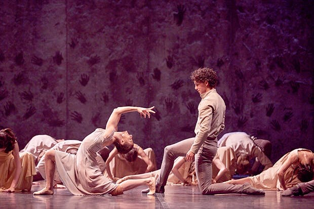 Viscerally exciting: Alina Cojocaru and Issac Hernández in Akram Khan's 'Giselle'
