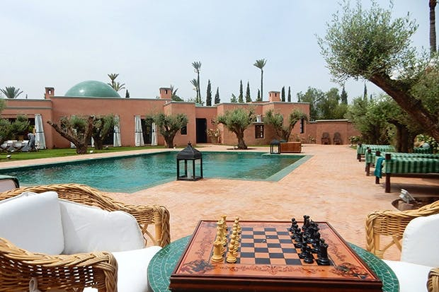 Room and board in the elegant grounds of Ezzahra
