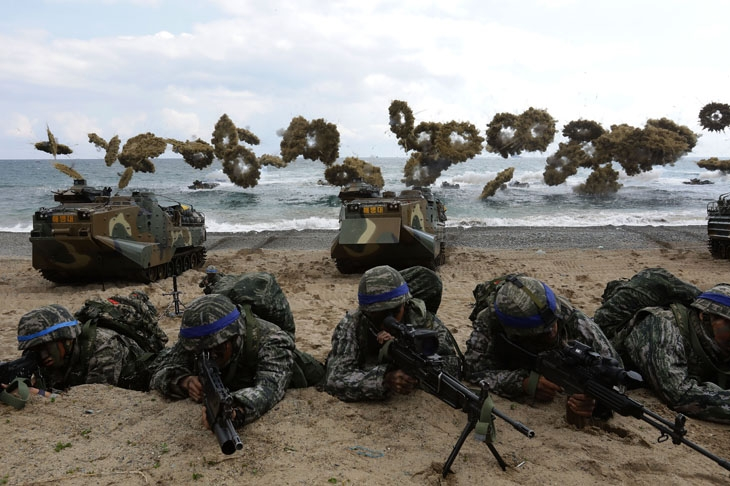 U.S. Marines hold joint landing operation in South Korea