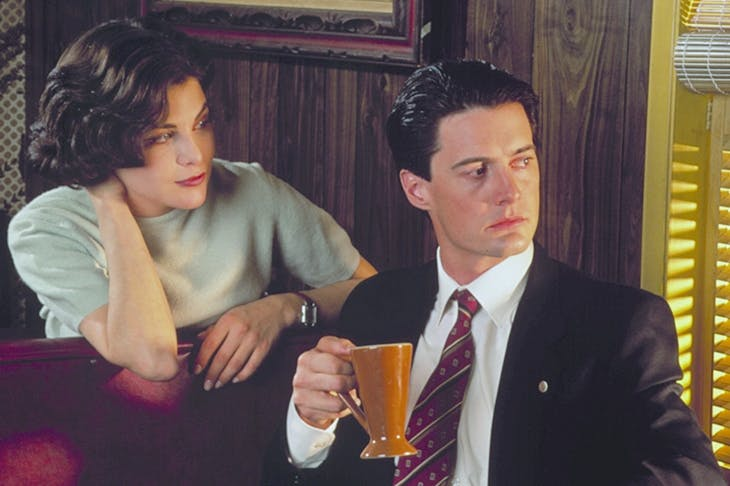 A damn fine cup of coffee: Sherilyn Fenn and Kyle MacLachlan in the original Twin Peaks
