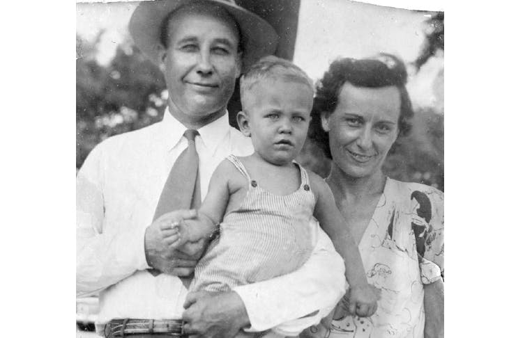 Parker, Edna and Richard Ford, V-J Day 1945