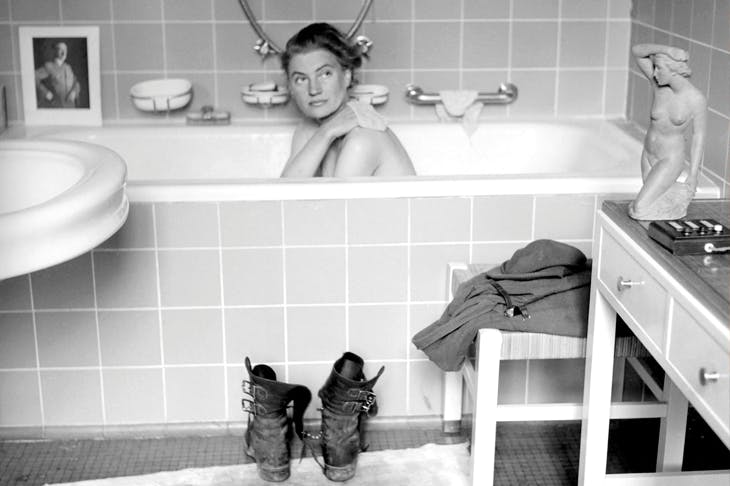 Lee Miller in Hitler's bath, 1945