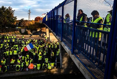 'Yellow Vest' (gilets jaunes) protesters continue to block French roads in protest against — everything
